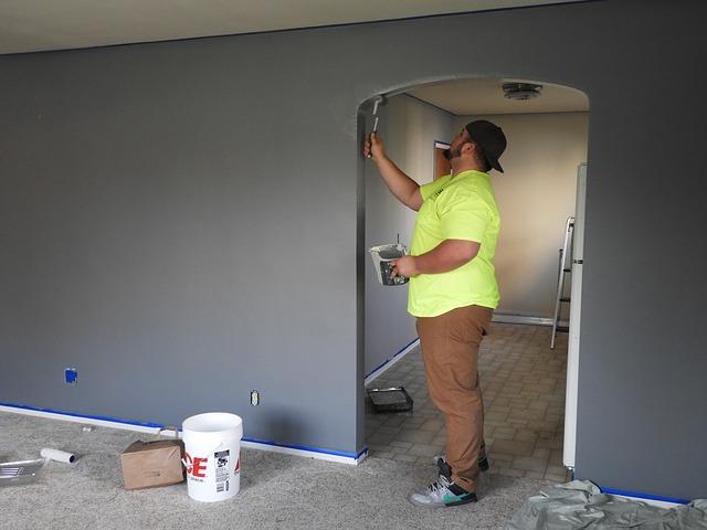 Malíř u stěny
