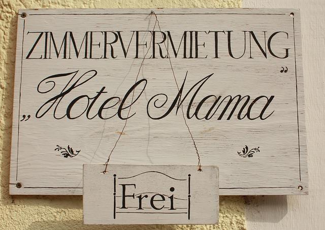 """vývěsní štít """"Hotel mama frei"""""""