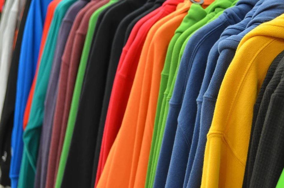 Reklamní textil ovlivňuje veřejné mínění